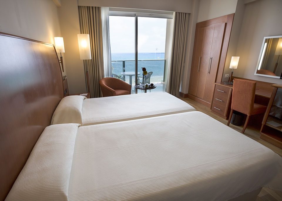 Double Sea View Room with Free Spa-2