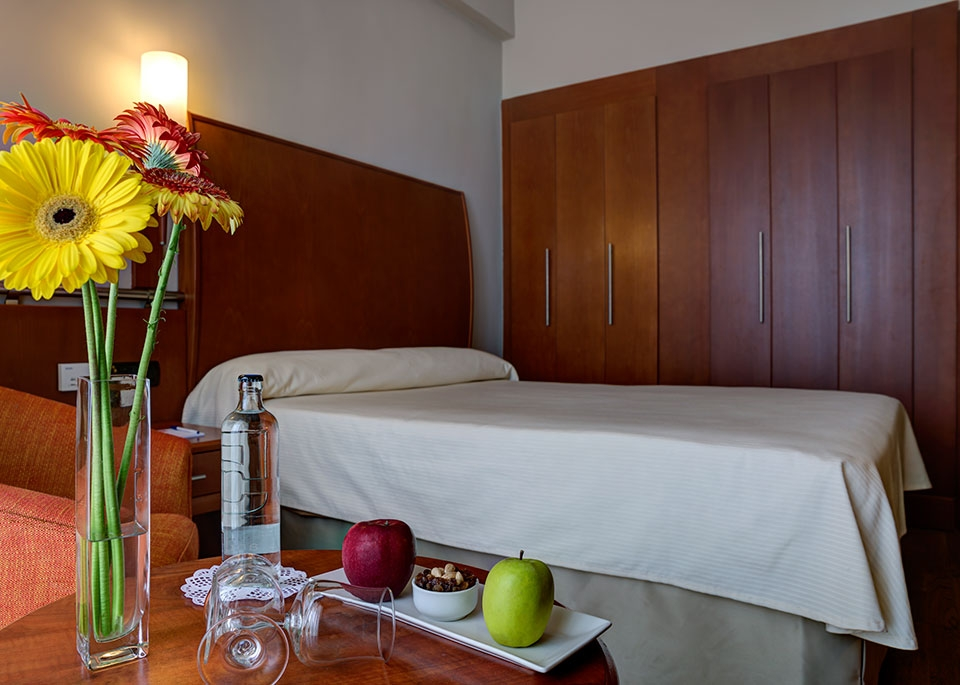 Sea View Single Room with Free Spa-3