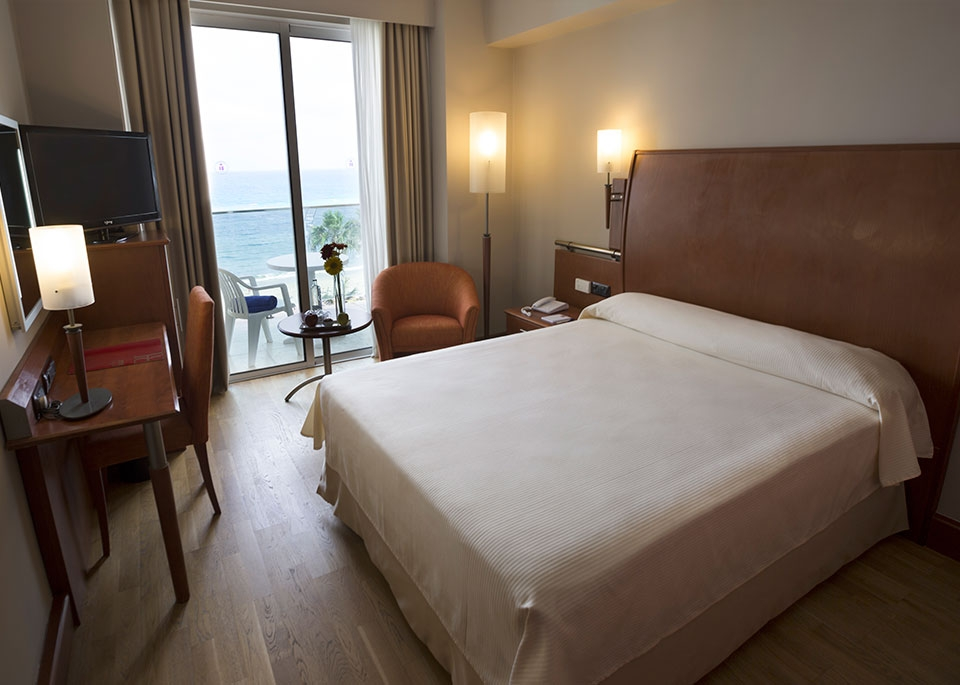 Sea View Single Room with Free Spa-1