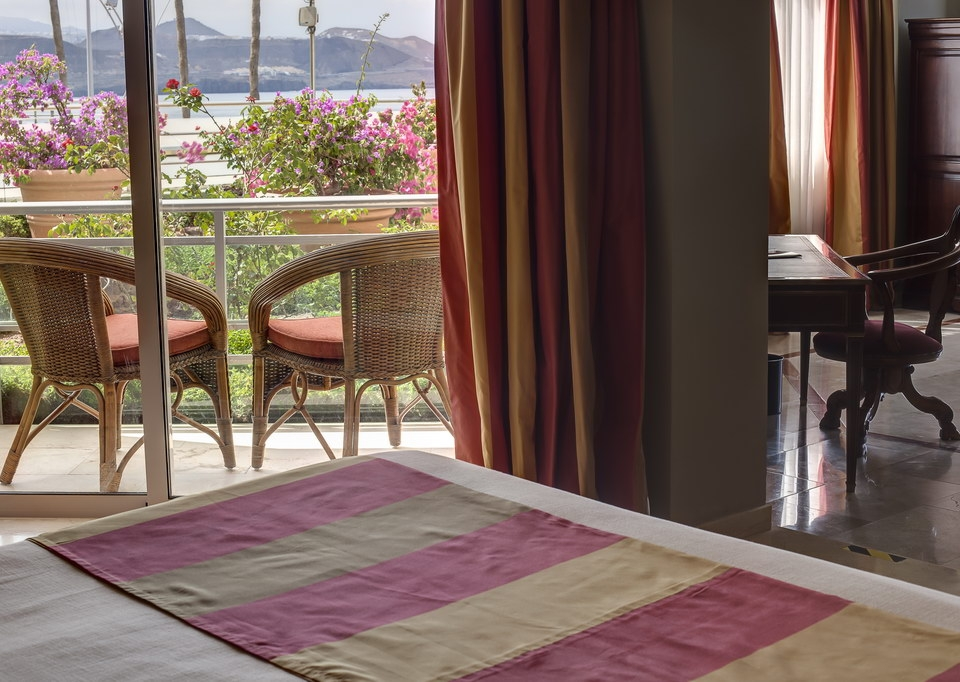 Sea View Suite with Free SPA-8